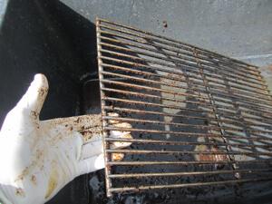 Weber Holzkohlegrill Reinigen : Grillrost reinigen aber wie grillrost mit kaffesatz reinigen